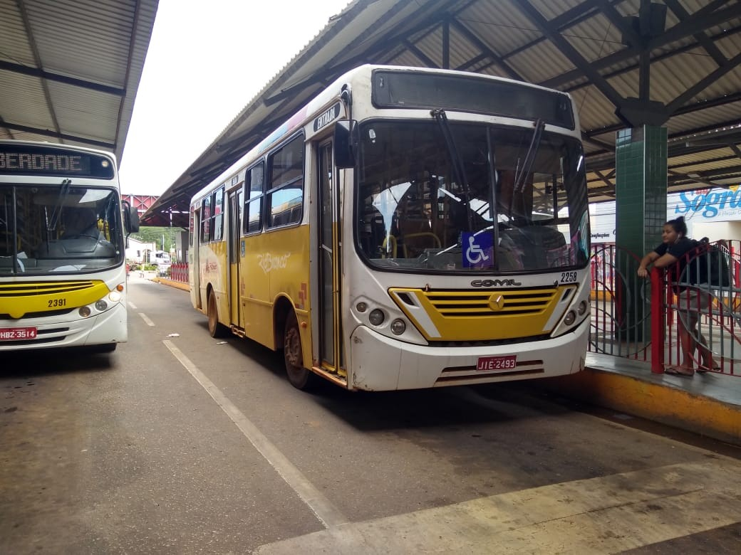 Traumatizados com constantes assaltos no AC, seis motoristas de ônibus estão afastados da função - Noticias