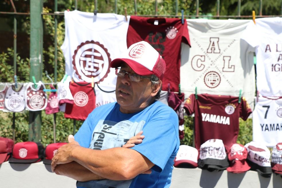 Juan Lara se diz orgulhoso do que fez o Lanús até agora (Foto: Eduardo Moura/GloboEsporte.com)