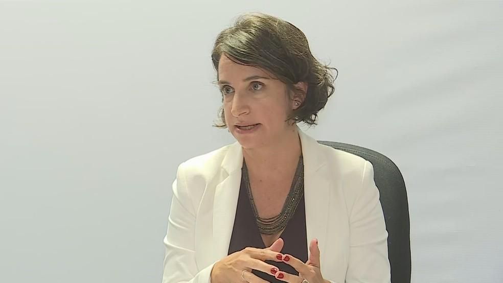 Secretária de educação de MG, Júlia Sant'Anna, anunciou programa no último dia 13 — Foto: Reprodução/TV Globo