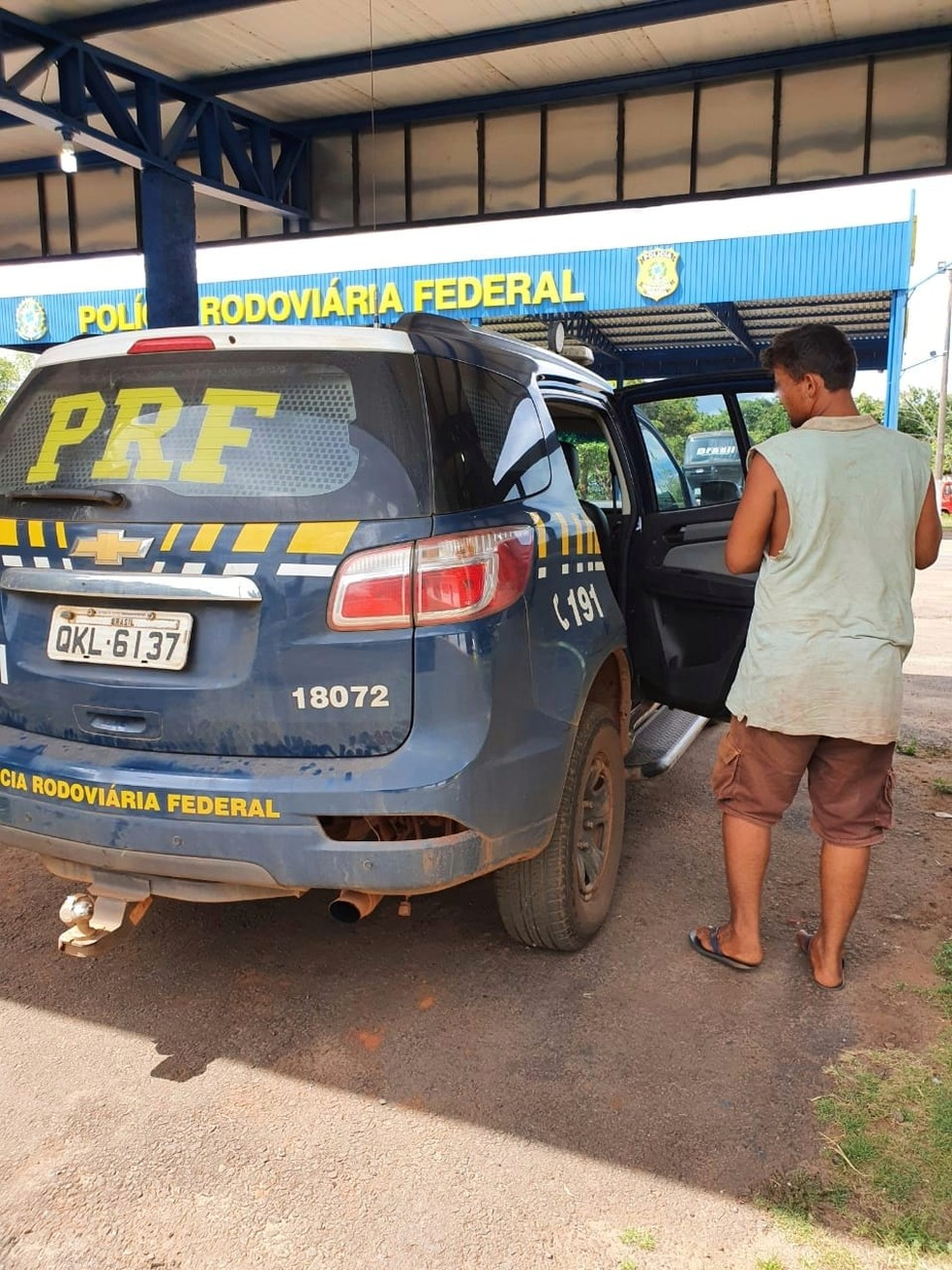 Homem que estava desaparecido foi encontrado por policiais — Foto: Divulgação/PRF