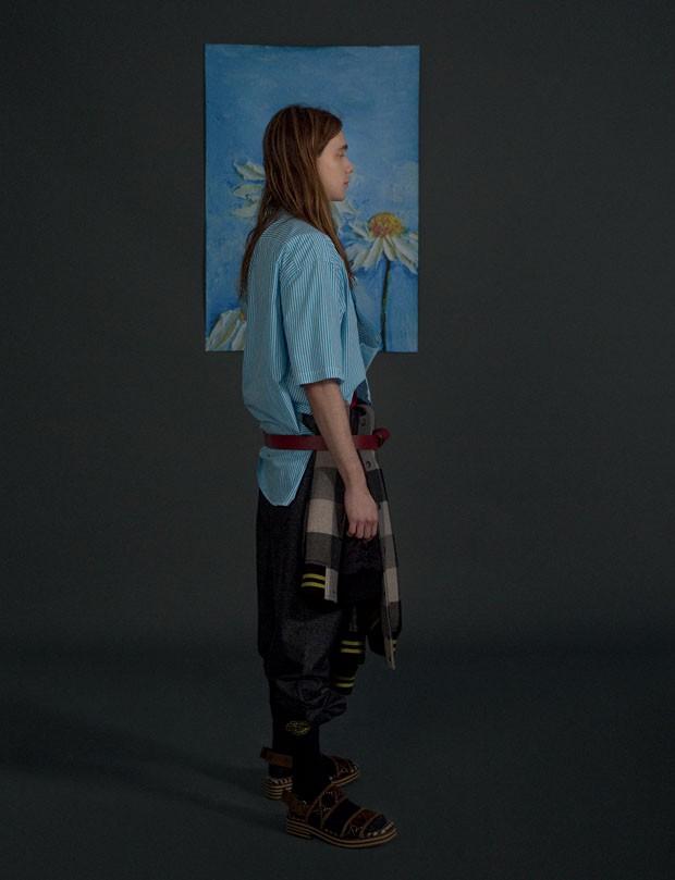Camisa Tommy Hilfiger R$ 399   Jaqueta Bottega Veneta R$ 11.720   Calça Empório Armani preço sob consulta   Cinto Salvatore Ferragamo R$ 1.790   Meias Acervo (Foto: Gabriela Schmidt)