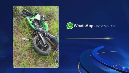 Motociclista morre após bater em lateral de carro e ser arremessado em rodovia