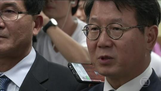 Herdeiro da Samsung é condenado a 5 anos de prisão na Coreia do Sul