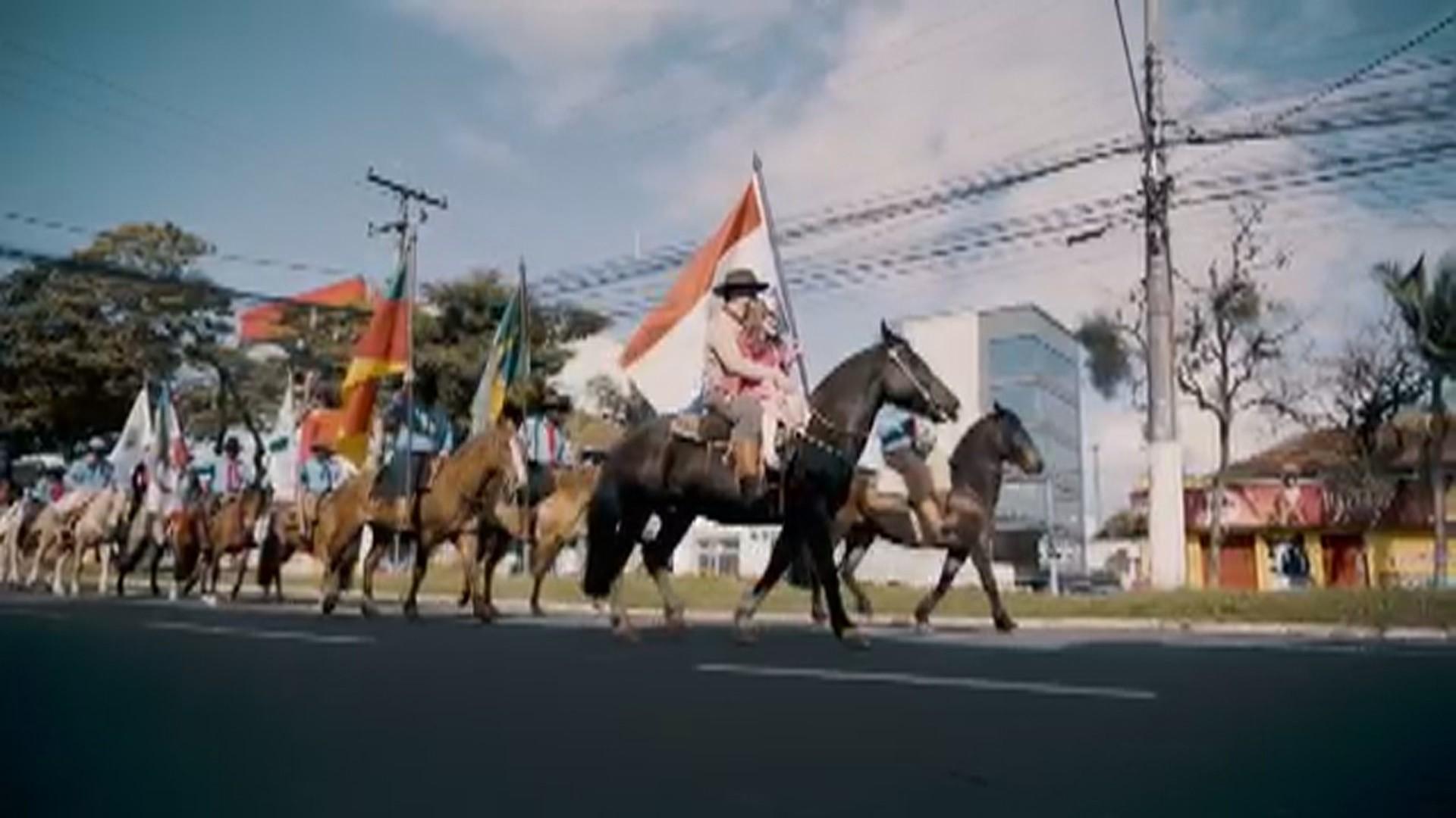 Mesmo sem autorização, cavalgadas e desfiles marcam o 20 de setembro no RS