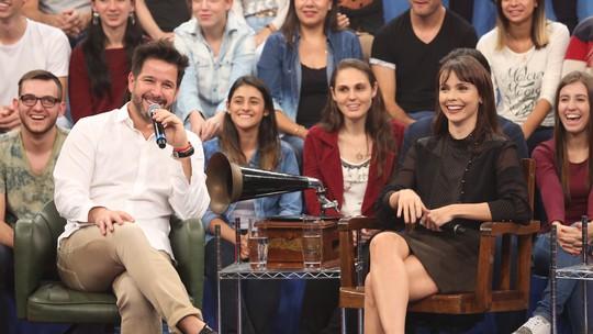Débora Falabella e Murilo Benício falam sobre relacionamento no 'Altas Horas', às vésperas do Dia dos Namorados