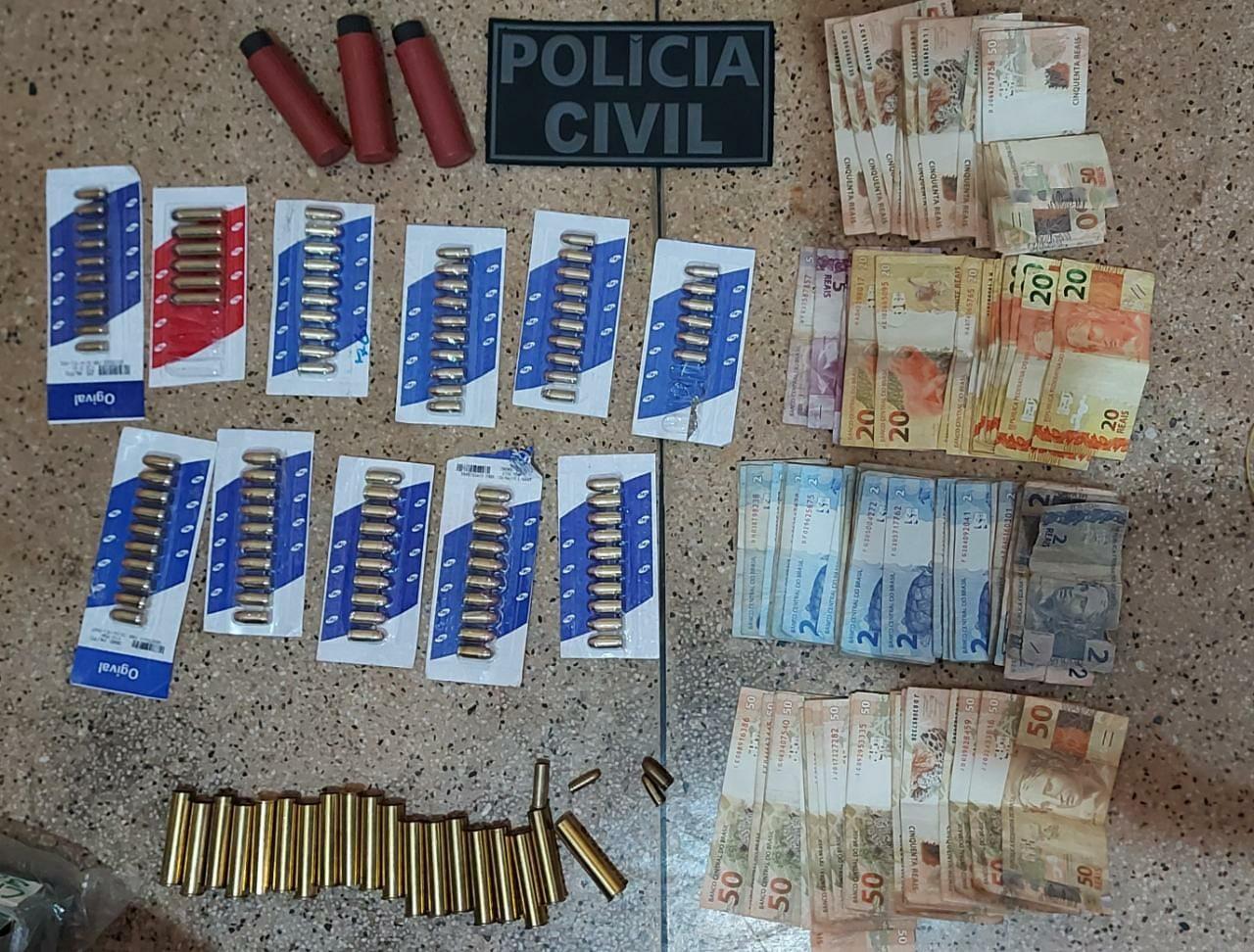 Operação que combate furtos de cargas em rodovias faz apreensões de produtos, munição e dinheiro em Placas