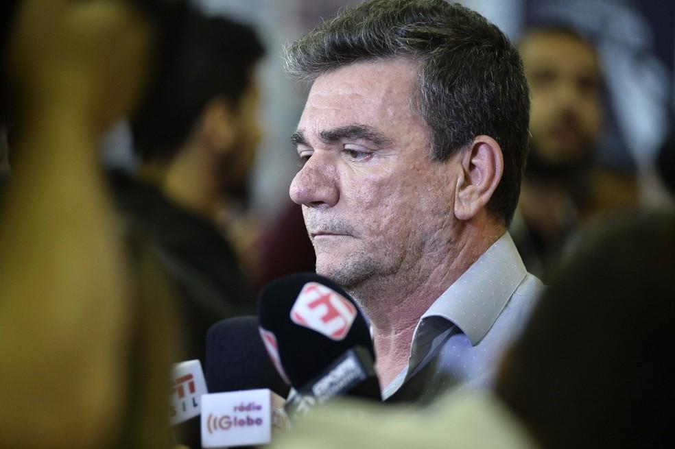 """Reformulação 2020: Andrés anuncia """"mais de 17 nomes"""" pedidos por Tiago Nunes"""