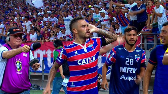 """Após 3ª vitória seguida do Fortaleza, Ceni orgulha-se: """"Não jogamos para um ponto, sempre para três"""""""