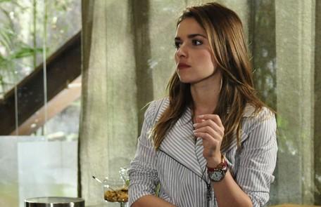 Na quinta (3), Beatriz (Monique Alfradique) vai perseguir Esther (Julia Lemmertz) e causará uma confusão na Fio Carioca Reprodução