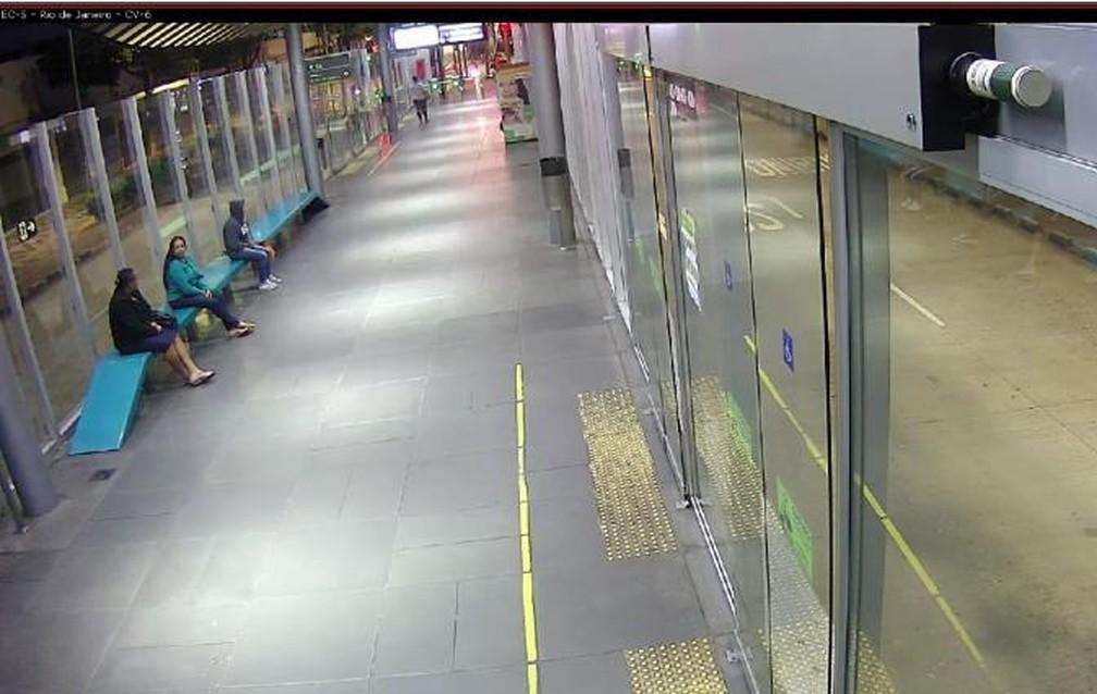 BELO HORIZONTE - Estação Rio de Janeiro em Belo Horizonte vazia na manhã desta quinta-feira (26) — Foto: BHTrans/Reprodução