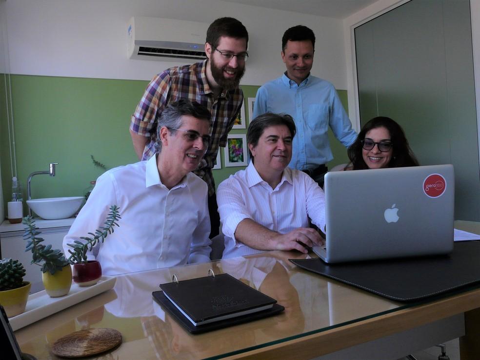 Leônidas Porto (sentado à esquerda) e a equipe do Gero360 — Foto: Divulgação