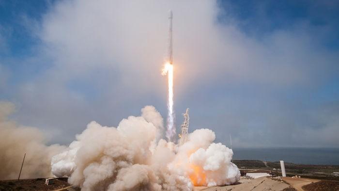 Lançamento em agosto de 2017. (Foto: SpaceX)