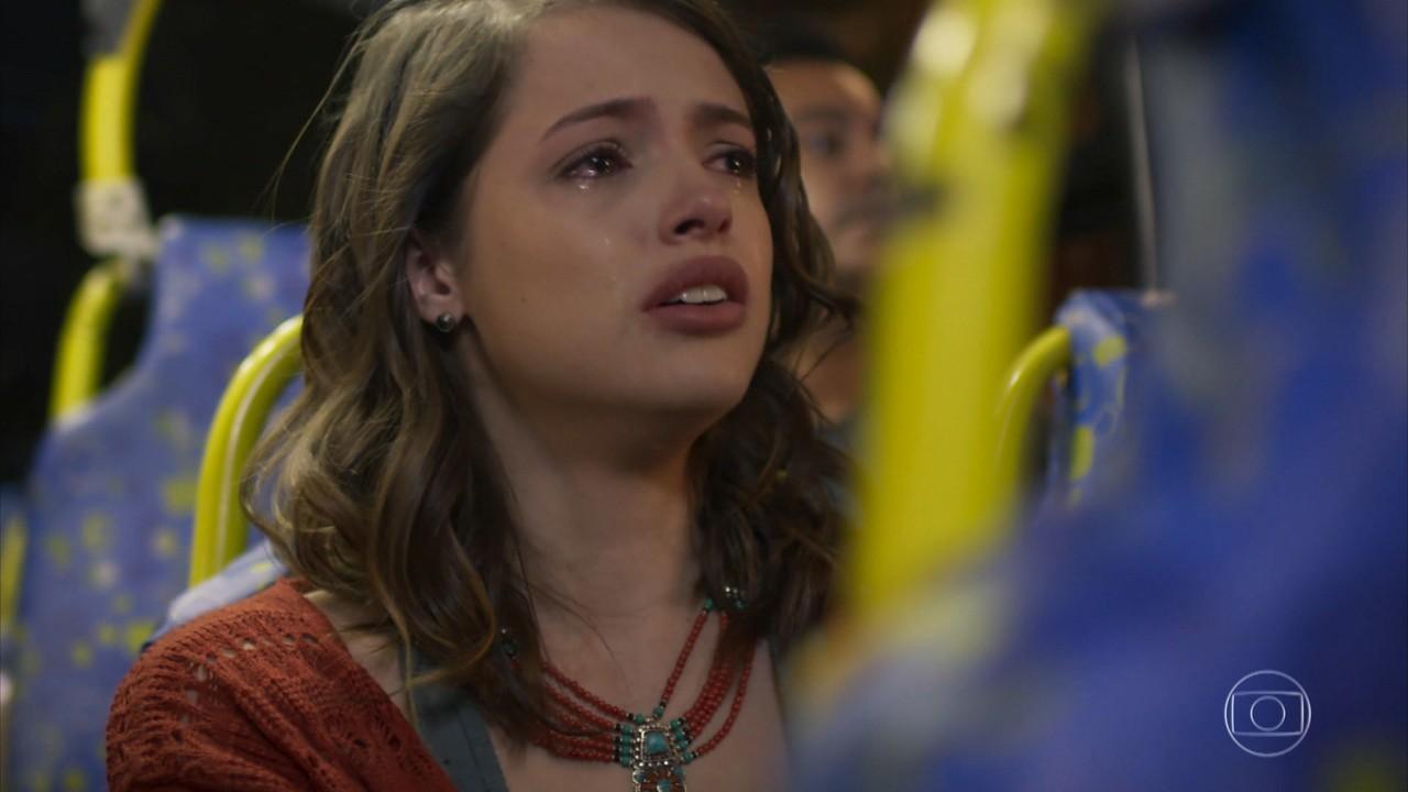 Camila se desespera ao saber que era má