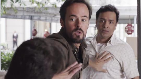 Rodrigo Fagundes comenta cena de briga com Thiago Martins, em 'Pega Pega'