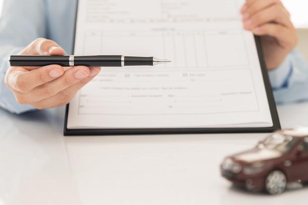 Contrato seguro carro (Foto: Thinkstock)