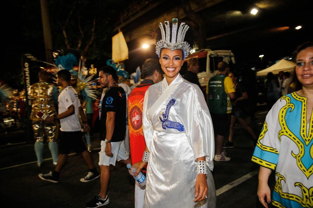 A atriz Sheron Menezes, destaque no desfile da Portela (Foto: Marcos Serra Lima/G1)