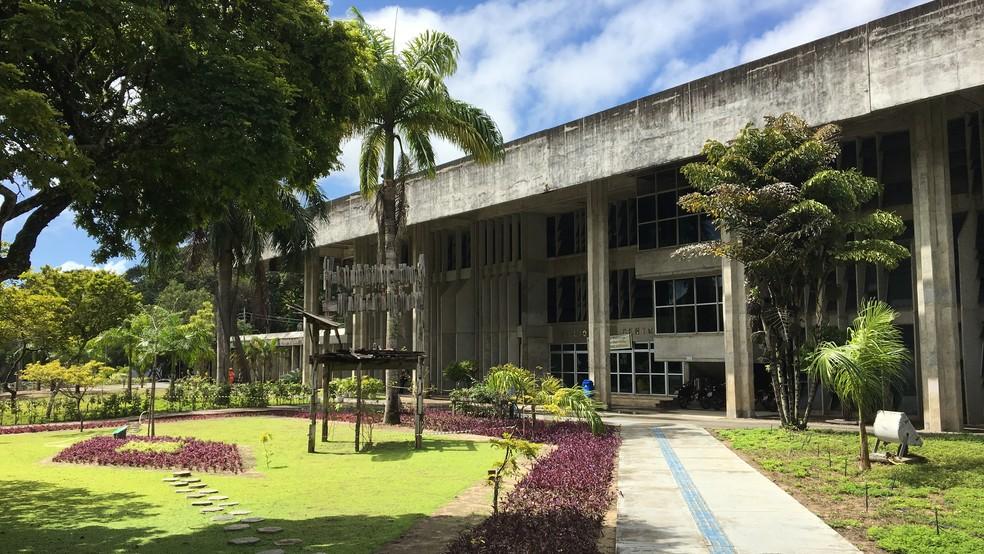 Biblioteca Central, próxima à Reitoria da Universidade Federal da Paraíba (UFPB), no Campus I em João Pessoa (Foto: Gabriel Costa/G1/Arquivo)