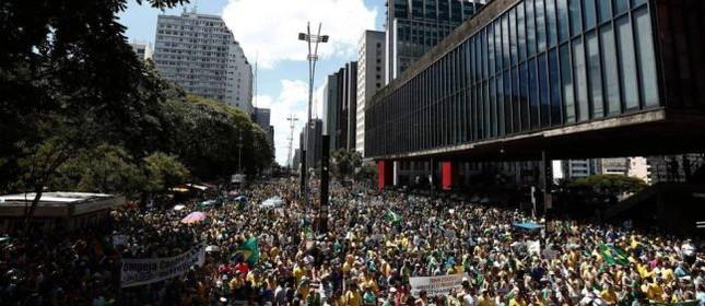 Ato dos movimentos pró-impeachment de Dilma, em dezembro na Paulista (Foto: Miguel Schincariol / AFP)