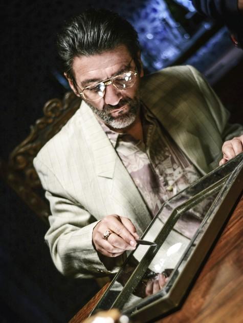 César Troncoso grava 'Impuros' (Foto: Divulgação)
