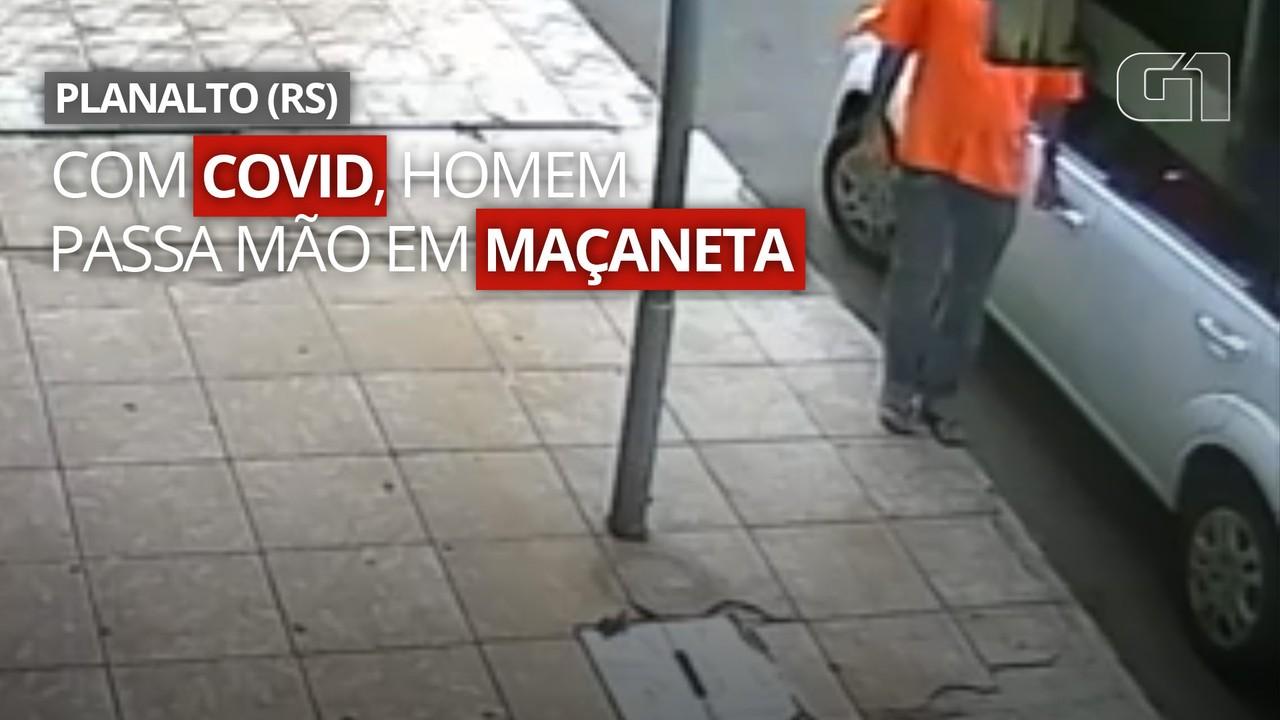 Imagens mostram homem com Covid passando a mão em maçaneta de veículo no RS