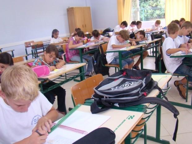 Rede estadual de ensino em Santa Catarina abre matrículas para novos alunos no dia 18 de novembro - Notícias - Plantão Diário