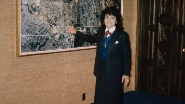 Laila continua a administrar a empresa com o marido (Foto: via BBC News )