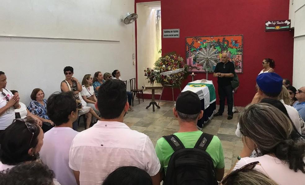 Velório do artista Zezo Silva aconteceu durante a manhã em Natal — Foto: Amaury Júnior