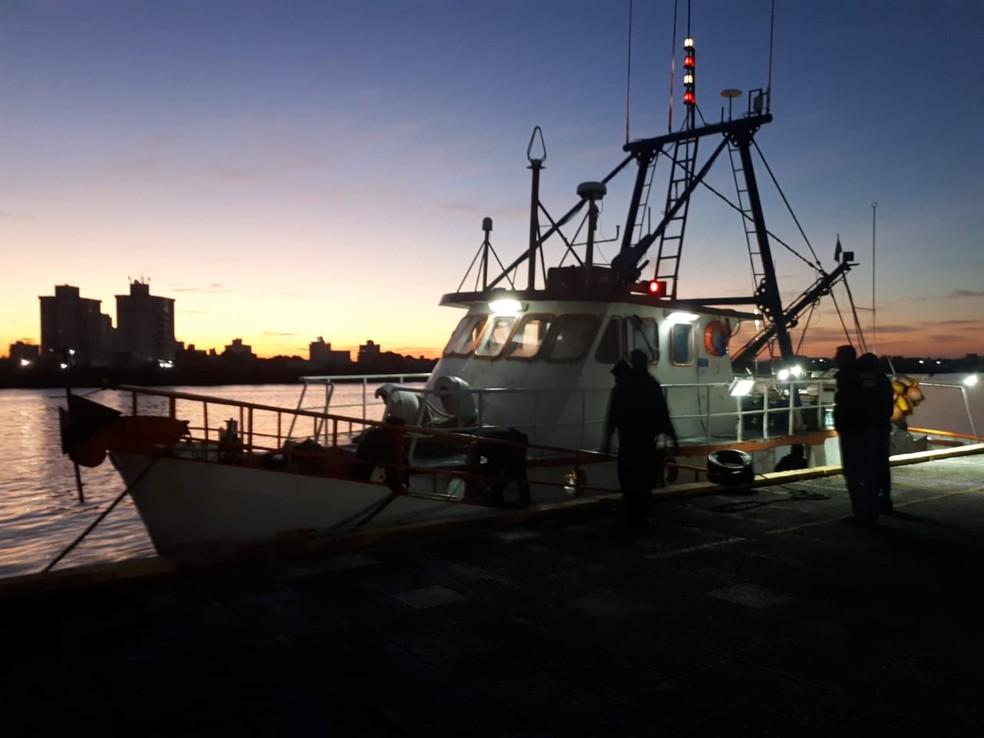Polícia Federal interpretou barco que iria para África carregado com 2,8 toneladas de cocaína — Foto: Polícia Federal/Divulgação