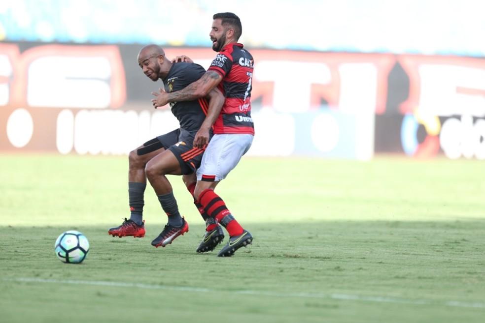 Sport perdeu para o Atlético-GO e agora tem 84% de chances de ser rebaixado (Foto: Cristiano Borges/O Popular)