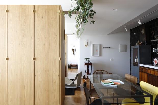 Apartamento no histórico Edifício JK mistura estilos com ousadia (Foto: Filippo Bamberghi)