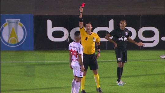 """Maria reprova expulsão de Rafael Costa em derrota do Botafogo-SP: """"prejudicou bastante"""""""