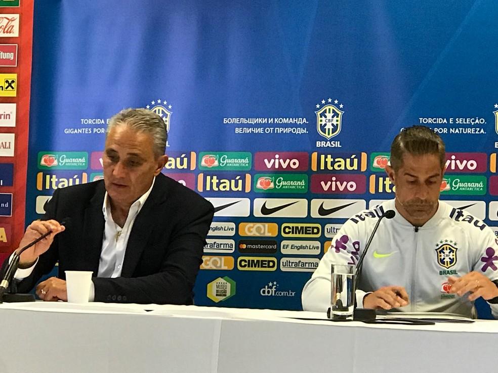 Tite e Sylvinho preferem focar em cada etapa no caminho da Seleção na Copa (Foto: Alexandre Lozetti)