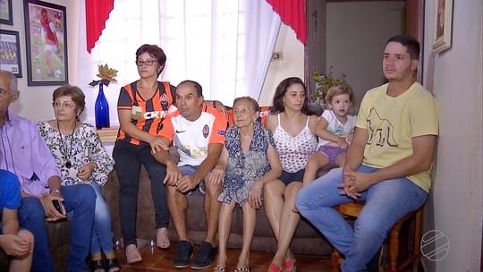 Moradores de Angelica, MS comemoram a convocação de Ismaily para a Seleção Brasileira