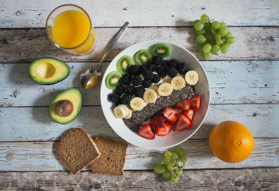 4 dicas para comer mais frutas no dia a dia