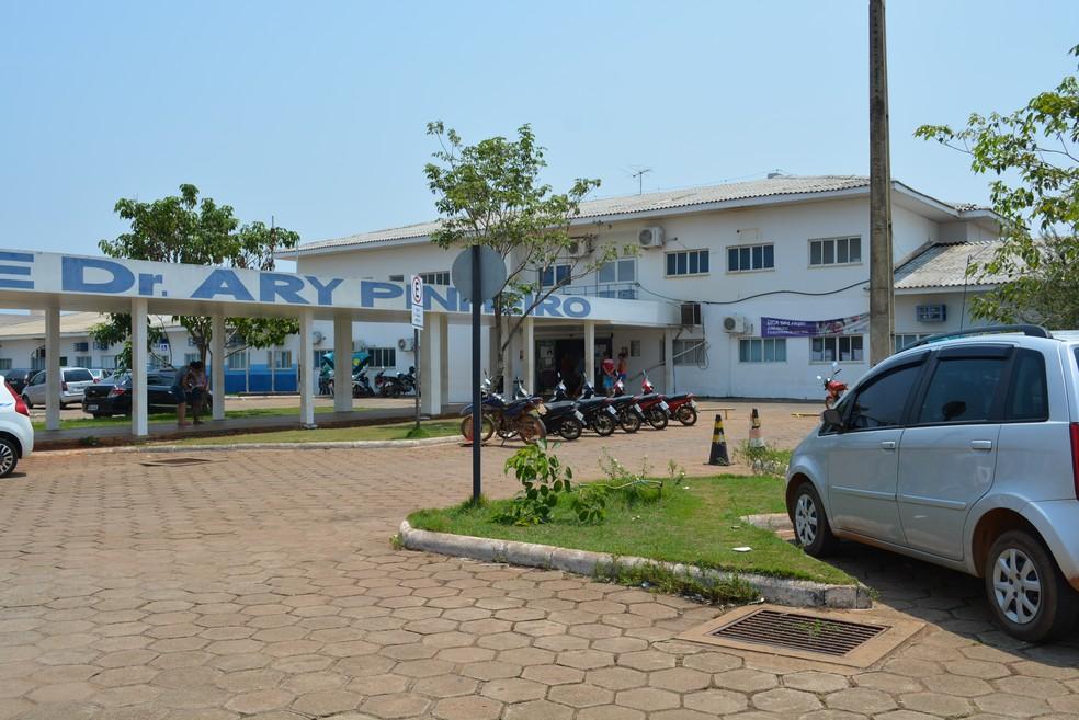 Médico seguia internado no Hospital de Base Ary Pinheiro, em Porto Velho — Foto: Toni Francis/G1/Arquivo
