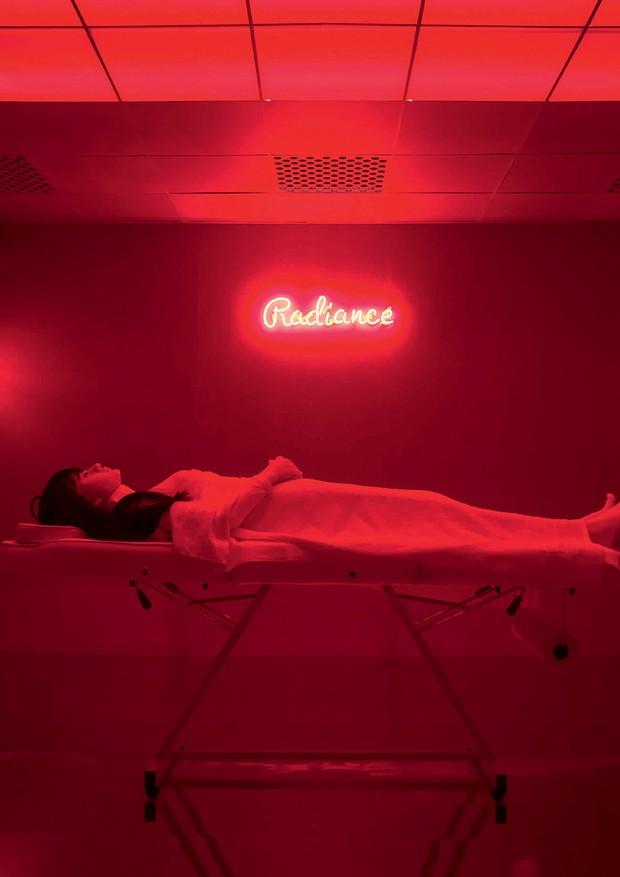 Juno Calypso - A instalação The Salon, em cartaz na Galeria Melissa de Londres. (Foto: Divulgação)