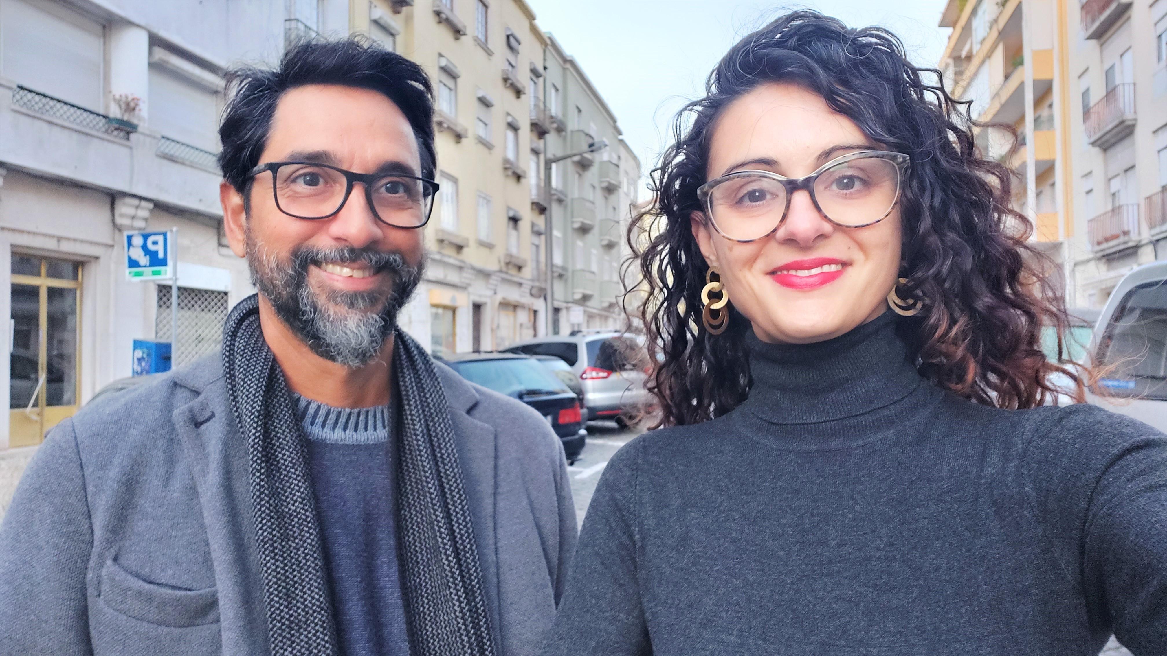 Leonardo Mesquita e Flávia Motta, do Lisboa à Beça, em uma rua da capital
