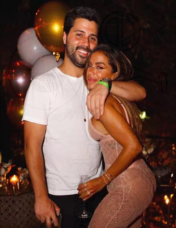 Anitta e Michael Chetrit (Foto: Reprodução/Instagram)