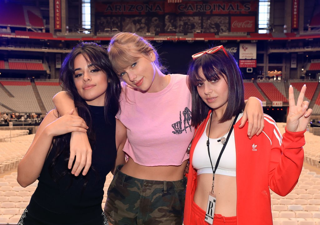 Camila Cabello, Taylor Swift e Charli XCX (Foto: Getty Images)