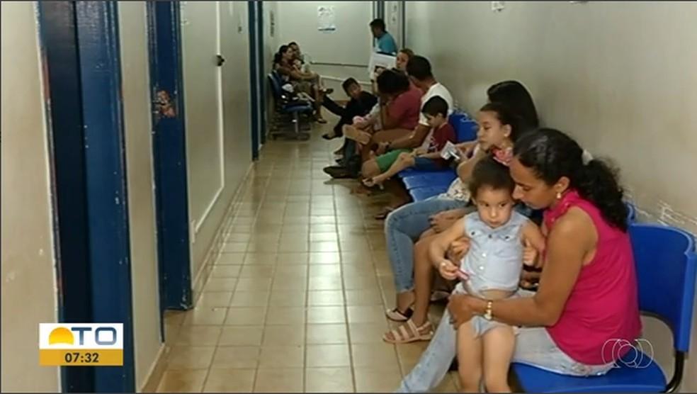 Pacientes aguardam por exames em Gurupi — Foto: Reprodução/TV Anhanguera