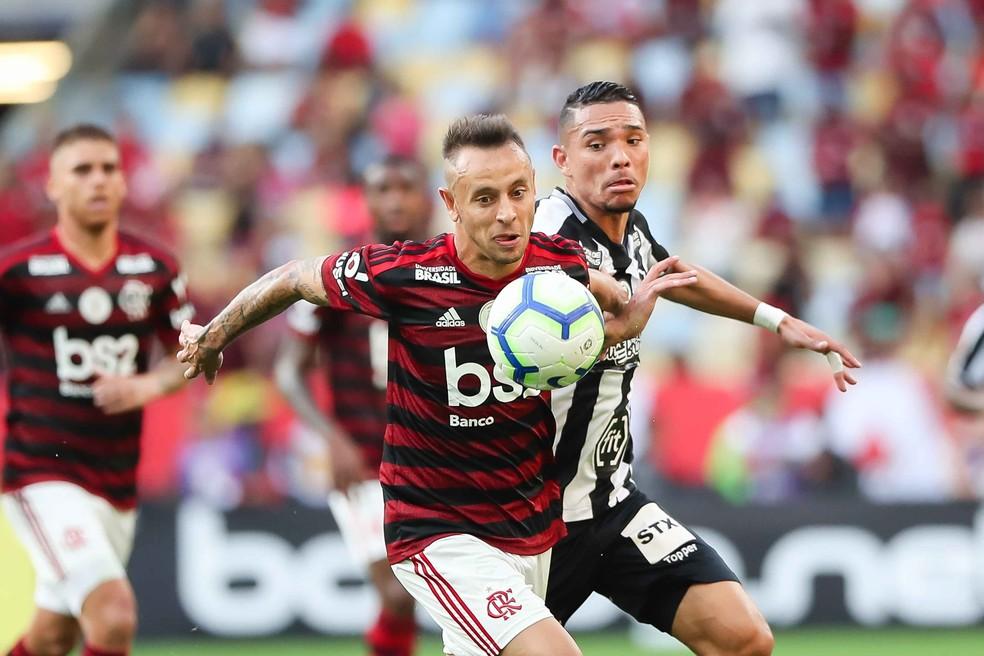 Rafinha vem tendo boas atuações pelo Flamengo — Foto: ANDRé MELO ANDRADE/AM PRESS & IMAGES/ESTADÃO CONTEÚDO