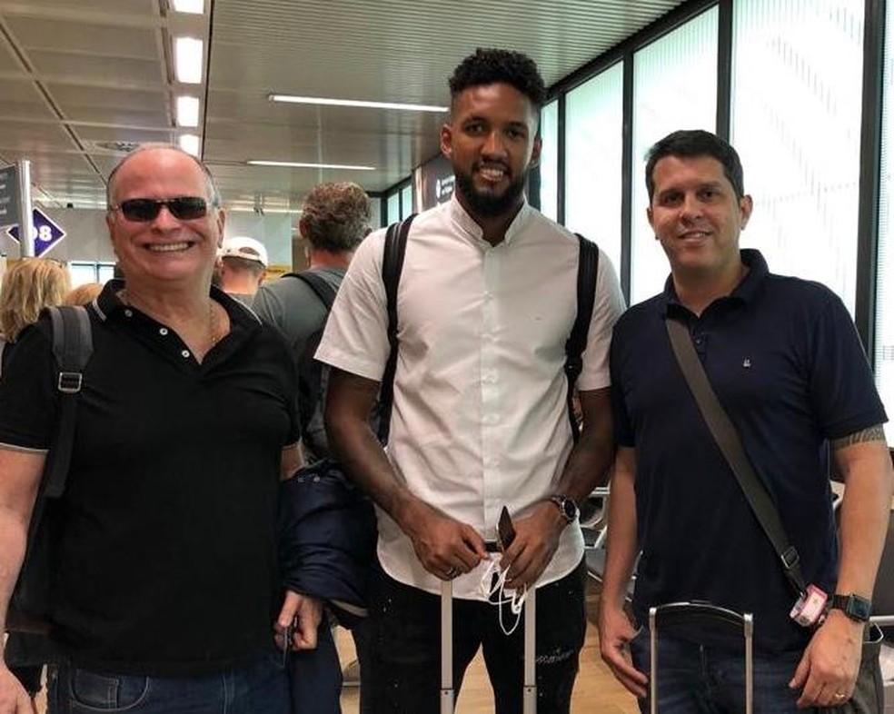 Wallace viaja para Portugal para se apresentar ao Braga — Foto: Divulgação