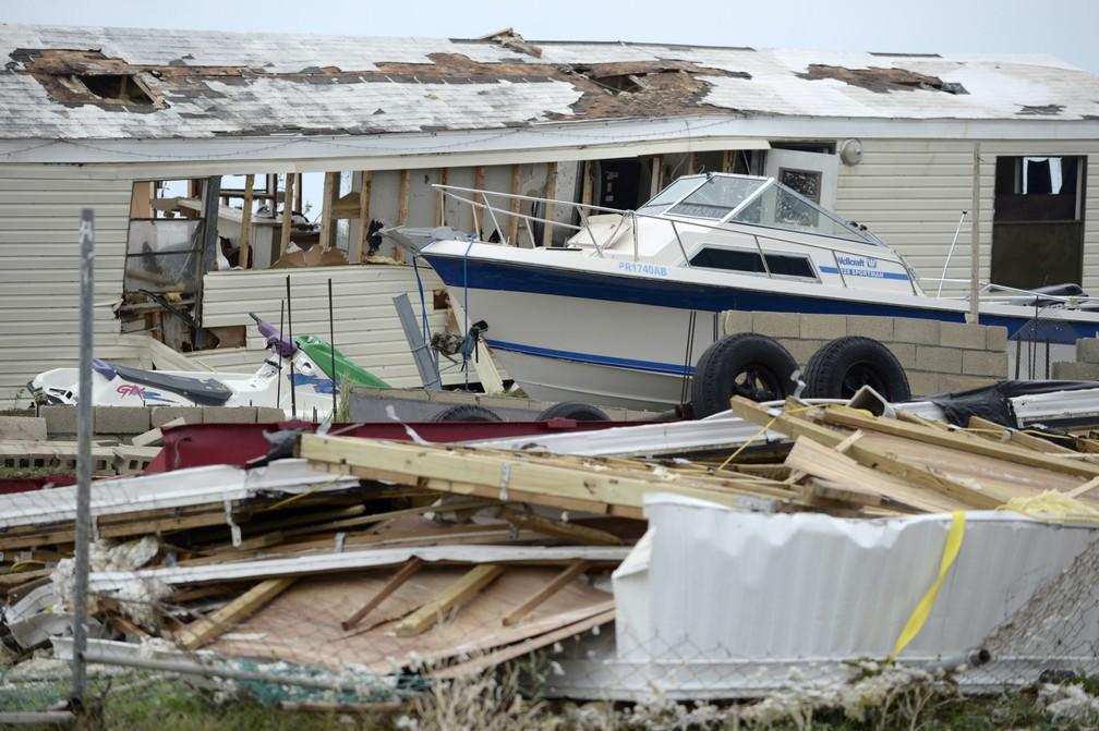 Destruição causada pelo furacão Irma em Porto Rico (Foto: AP Photo/Carlos Giusti)