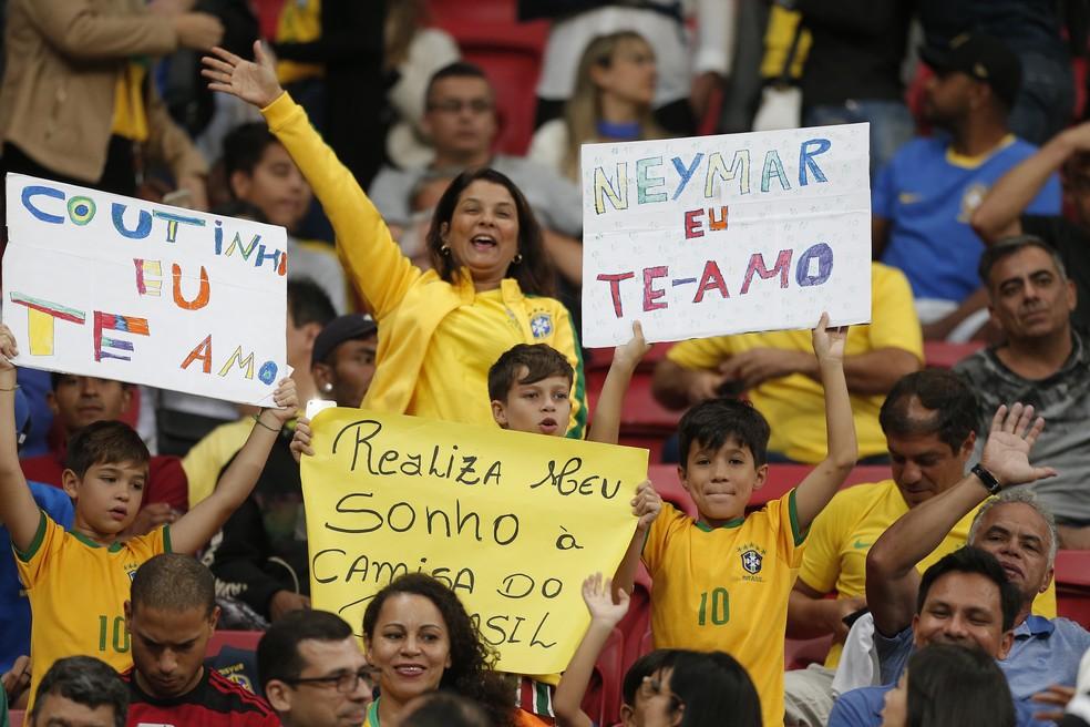 Torcida apoiou o camisa 10 — Foto: Dida Sampaio/Estadão Conteúdo