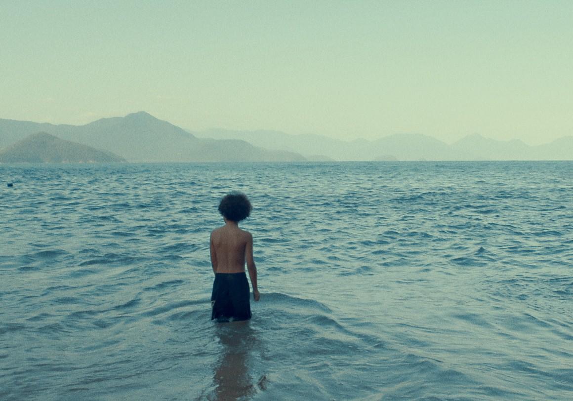 Cauê vendo o mar em Ubatuba / unschooling (Foto: Cauê vendo o mar em Ubatuba / unschooling (Foto: Arquivo pessoal))