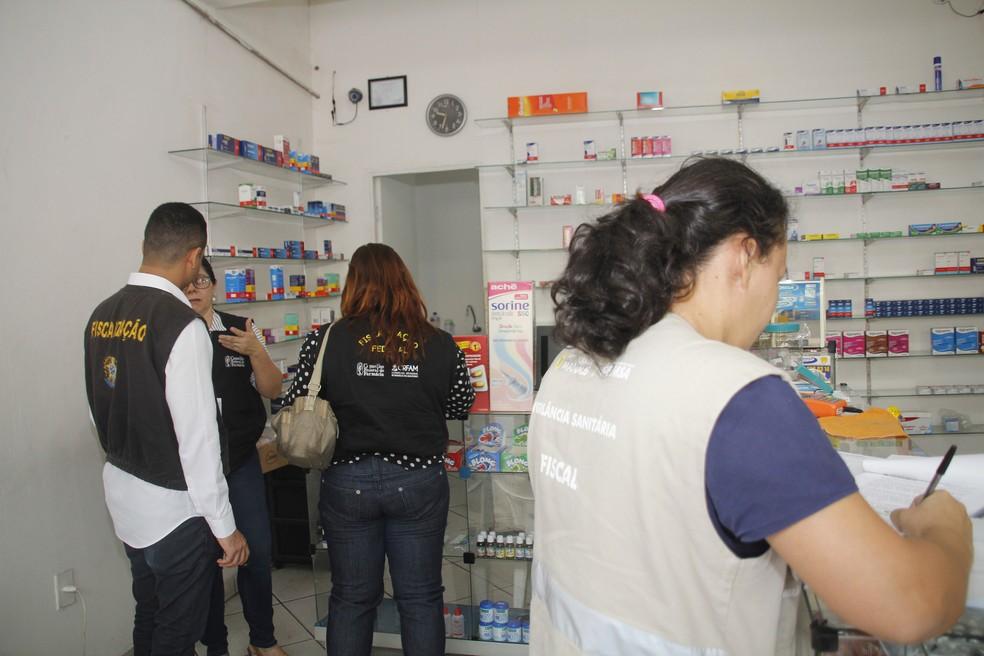 Fiscalização visitou drogarias na Zona Leste de Manaus (Foto: Marinho Ramos/Semcom)
