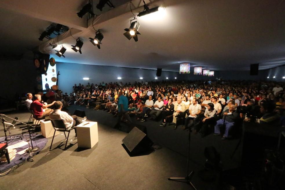 Flin debate obra de grandes autores brasileiros (Foto: Alex Régis)