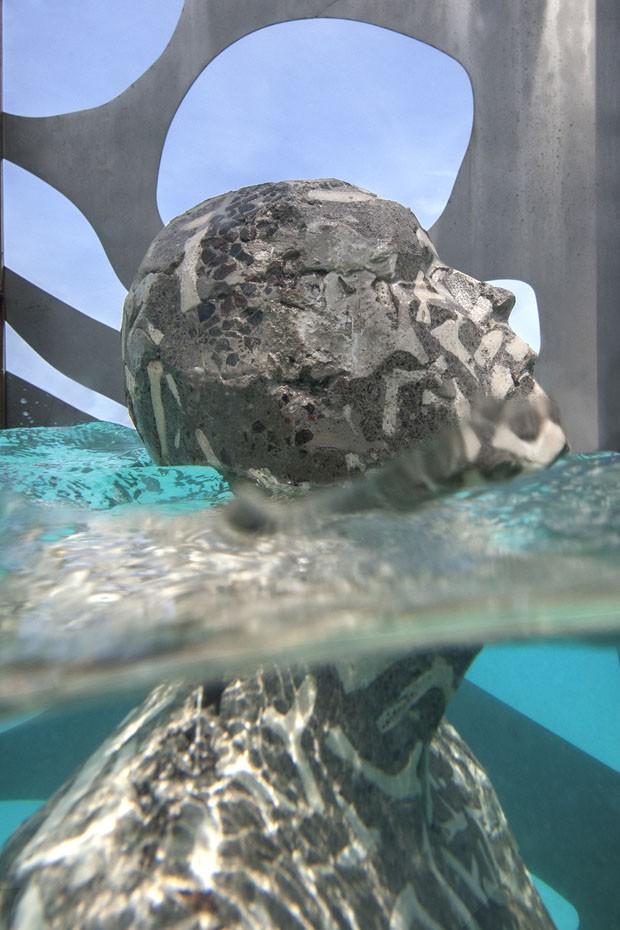 Primeira galeria de arte submersa do mundo é instalada nas Maldivas (Foto: Jason deCaires Taylor)