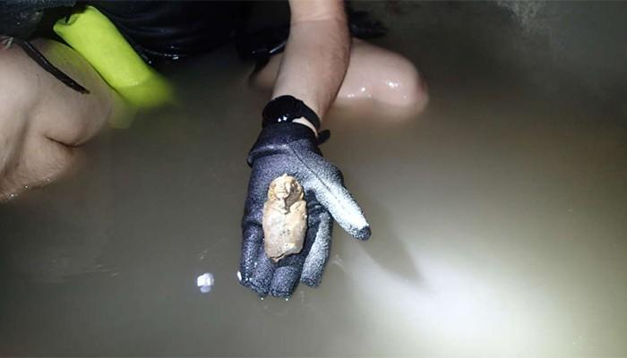 Artefato foi encontrado em túmulo abaixo de pirâmide (Foto: Nuri Archaeological Expedition/Pearce Paul Creasman)