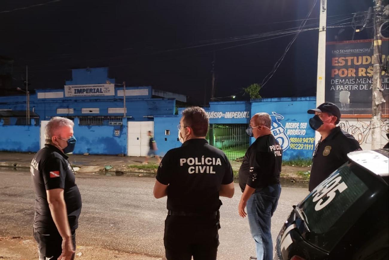 Donos de lojas de conivência e posto de gasolina em Belém são autuados após flagrante de aglomeração